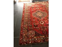 Large wool rug in good clean condition from a smoke free pet free home