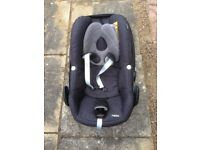 Baby carrier car seat with Maxi-cosi 2 way fix car seat base