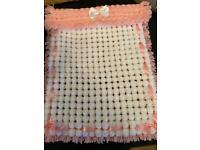 Pompon blankets