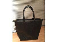 Pied- a-Terre Handbag