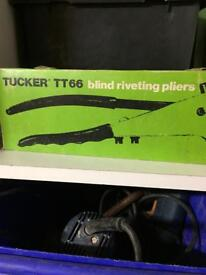 Riveting pliers for sale