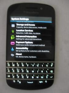 Blackberry Q10 Unlocked Smart Phone. 4G. LTE. WiFi. 16GB. Touchscreen. Micro SIM. Dual Camera. Bluetooth. SD Card Slot