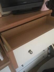 2 bed sides drawers + very spacious set of 5 drawers !!