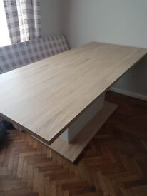 Extending dining table - like new!