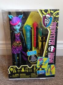 Brand new Monster High create and erase doll