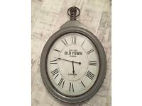 OLD STYLE RUSTIC CLOCK