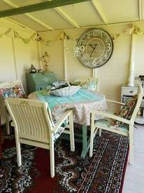 Garden extending table and chairs
