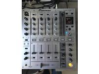 Pioneer DJM 700 DJ mixer