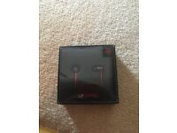 BEATS - BRAND NEW STILL IN BOX UPBEATS BLACK AND RED RRP £80 SELLING FOR £40