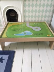 Children's play table /train