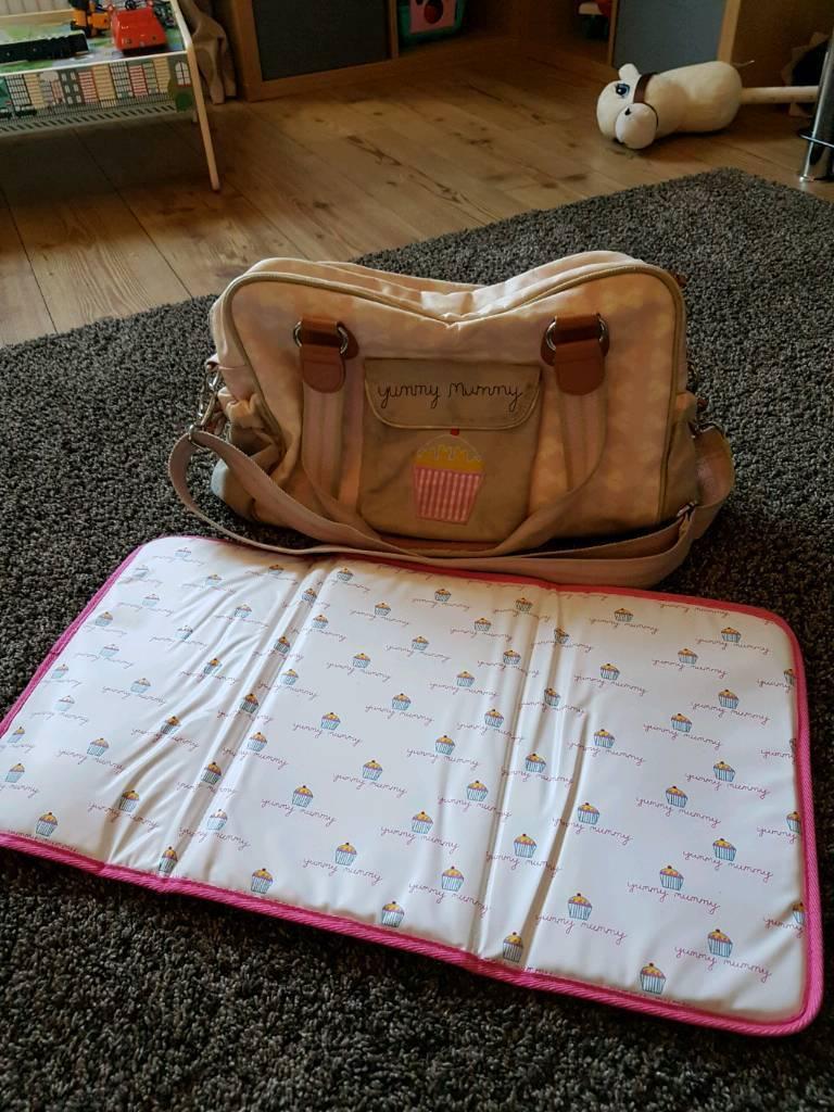 Yummy mummy changing bag and mat