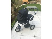 Maxi Cosi Mura 3 wheel travel system including Carrycot, Push Chair & Accessories ..Great condition