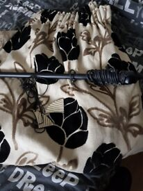 Single curtain and pole used on landing window, heavyined gorgeous curtain
