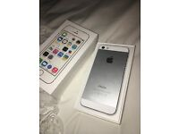 iPhone 5s 16gb White unlocked - working, used and in box in very good condition