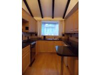 ONE BEDROOM FLAT with parking LUTON TOWN CENTRE excellent condition