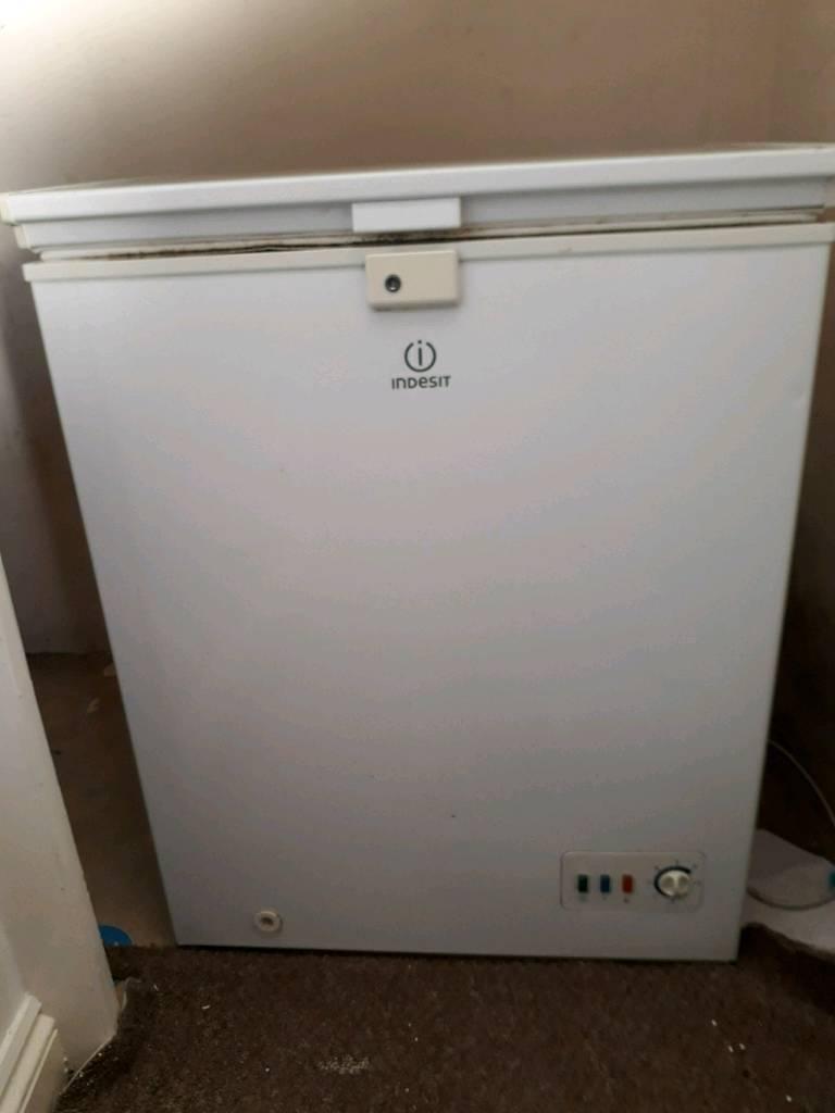 Indesit chest freezer i