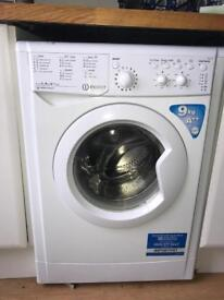 Indesit Washing machine model IWC91482