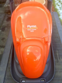 FLYMO EASI GLIDE 300. Almost new. Excellent condition.