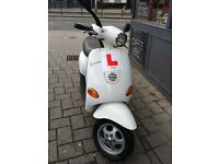 Piaggio Vespa ET4 50cc (2004) White Good condition low miles
