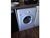 Indesit 7k white washing mashine.