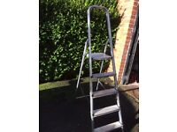 Wickes professional 5 tread step ladder