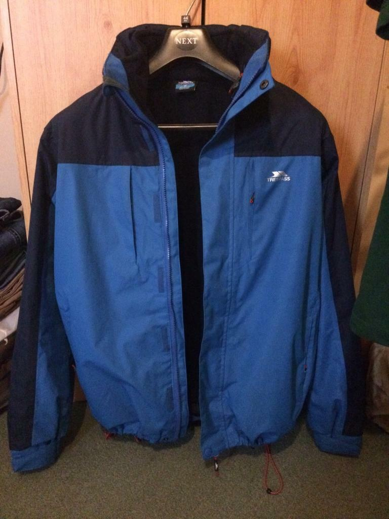 Trespass size small/medium 3 in 1 coat with hood like new