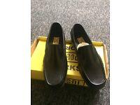 £5 Men's leather Deck shoes £5