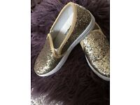 Brand new ladies size 3 gold sparkly sand shoes