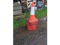 Road traffic cones x100 large type