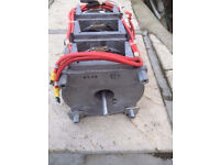 Staco Energy Products Co. transformer. 220V. out: 150-220V 22A