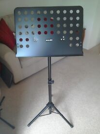 MUSIC STAND, & CARRY CASE, NEW/UNUSED VERY STRONG.