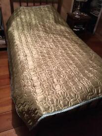 Quilted single bed spread