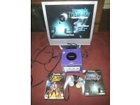 NINTENDO GAMECUBE CONSOLE WITH 2 GAMES AND 17'' LCD TV
