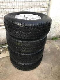 Nissan Terano set of 4x alloy wheels & tyres