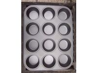 12 Hole Non Stick Muffin Tray IP1