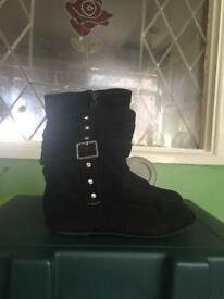 Girls suede boots