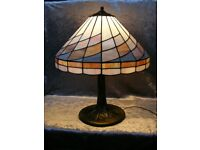 Lovely Vintage Tiffany Style Stained Painted Glass Table Desk Lamp