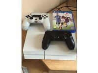 Playstation 4 - White