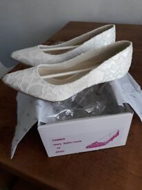 Wedding/Special Occasion Satin and Lace Shoes