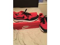 Red airmax size 11