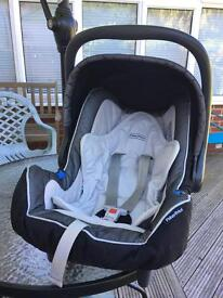 Fisher Price Infant Carrier / Rear-facing Car Seat