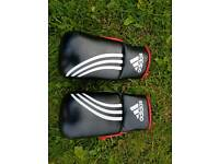 Adidas bag mitts size L/XL