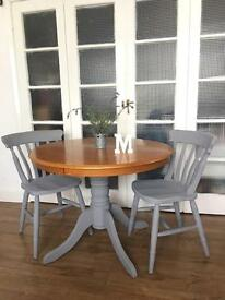 LOVELY SHABBY CHIC TABLE AND CHAIRS FREE DELIVERY 🇬🇧