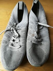 Ladies Silver Size 7 Trainers Excellent Condi