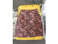 Floral skirt with front zipper