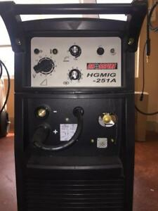 NEW Crossfire 250 Amp MIG Welding Package