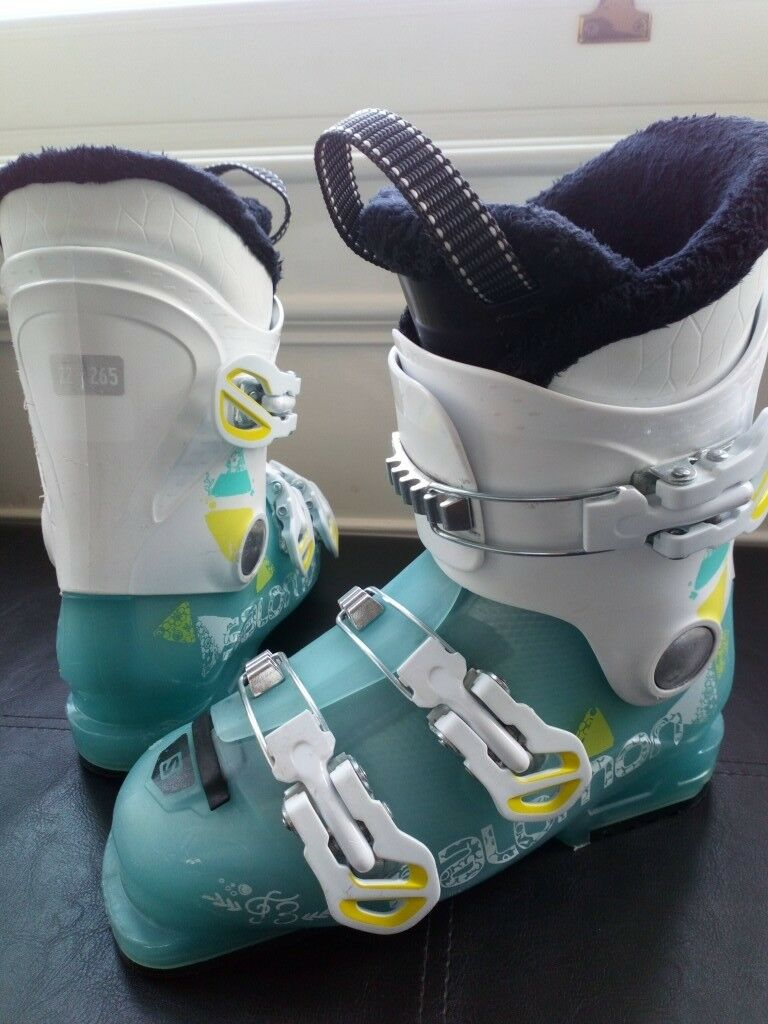 04ff2473ab Salomon T3 Kids Ski Boots size 3 - 3.5 suit girl or boy | in North Shields,  Tyne and Wear | Gumtree