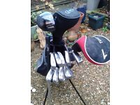 ** BARGAIN / CHRISTMAS GIFT IDEA FOR HIM *** DUNLOP GOLF BAG + FULL SET OF CLUBS + LOADS OF EXTRAS *