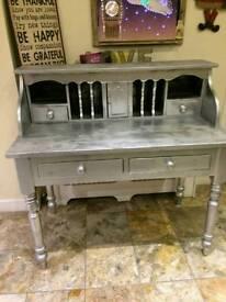 Industrial, bureau. Dressing table