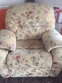 G PLAN FLORAL SOFA SUITE WITH MATCHING POUFFE